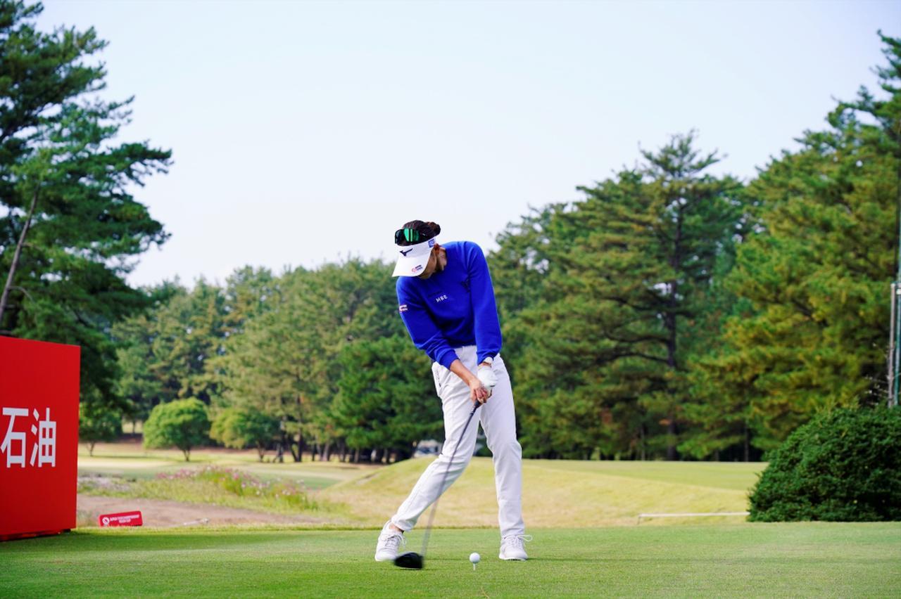 Images : 9番目の画像 - 原英莉花のドライバー連続写真 - みんなのゴルフダイジェスト