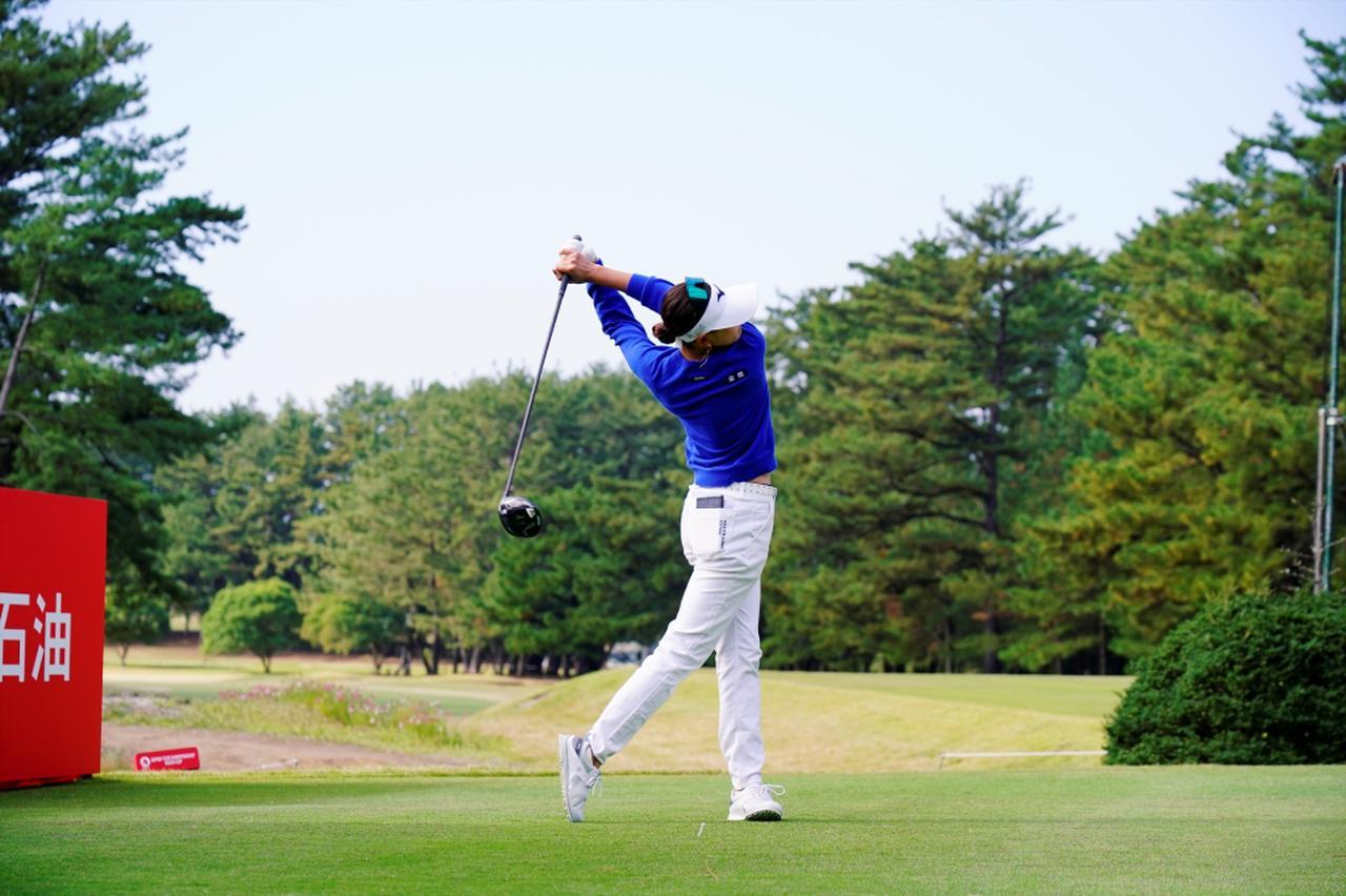 Images : 14番目の画像 - 原英莉花のドライバー連続写真 - みんなのゴルフダイジェスト