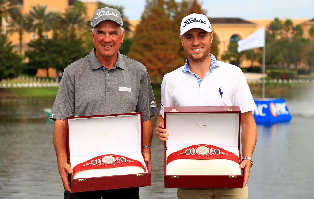 画像: PNC選手権でが初出場、初優勝したジャスティン・トーマス(右)と父のマイク・トーマス(左)(写真はGetty Images)