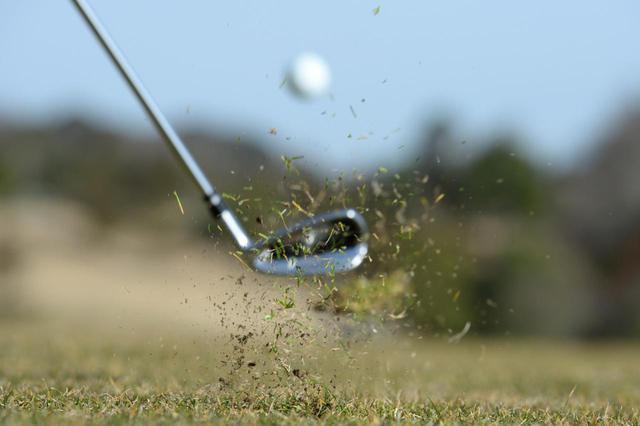 画像: 冬ゴルフでも夏と同じ番手選びをしていない?(撮影/渡部義一)