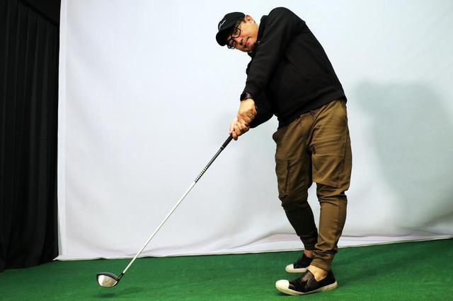 画像: 「地面反力」はどうやったら使える? 飛距離アップ請負人が教える、正しい左足の踏み込み方 - みんなのゴルフダイジェスト