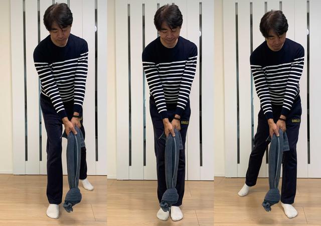 画像: 右足一本(右軸)、足をそろえて(センター軸)、左足一本(左軸)の3つの形で一番強く振れる形からスウィングの軸を判別できる