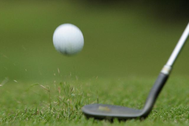 画像: 飛距離アップを目指しているゴルファーはロブショットではなく30ヤードのアプローチを練習しようと小池はいう(撮影/小林司)