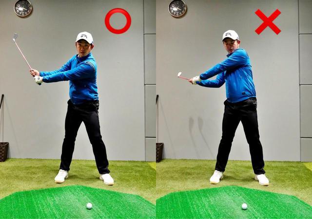 画像: 画像C 右手と左手を離して握るスプリットハンドドリルのハーフスウィングで左肩、左ひじが右腕よりも下になるように確認しよう