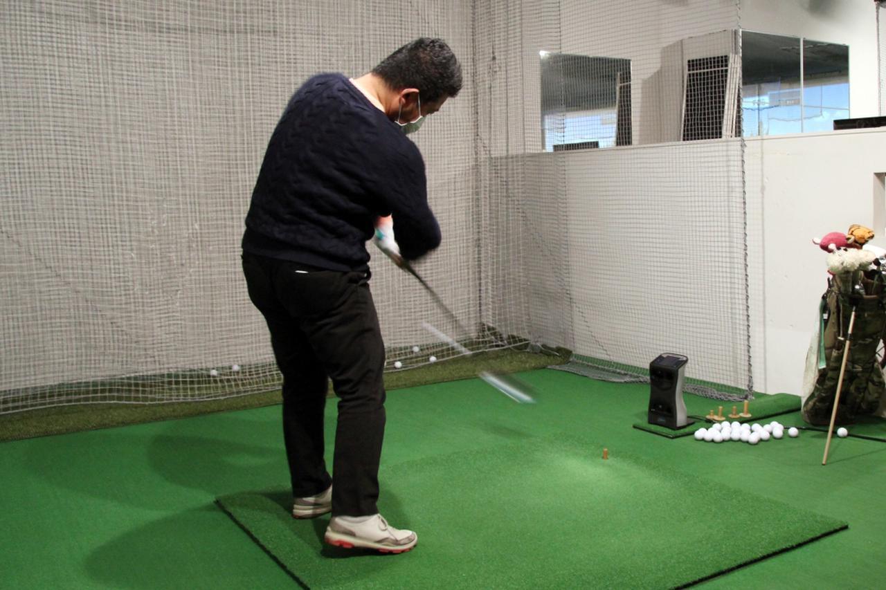 画像: 私Sは、ゴルフ歴約15年ながら平均スコアは90前後のアベレージゴルファー。ヘッドスピード42~43m/sのフェードヒッターです