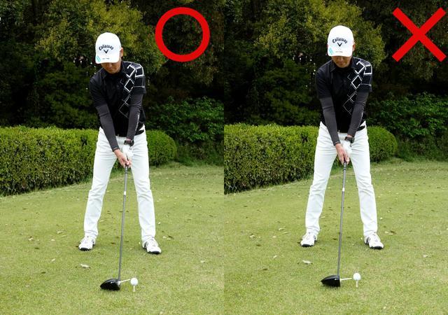 画像: 画像B 地面にポンと置いた状態で構えることで、フェース向きも姿勢も良くなる(画像左)。トップラインをターゲットに合わせようとすると、左を向いた状態になりやすいので注意が必要だ(画像右)