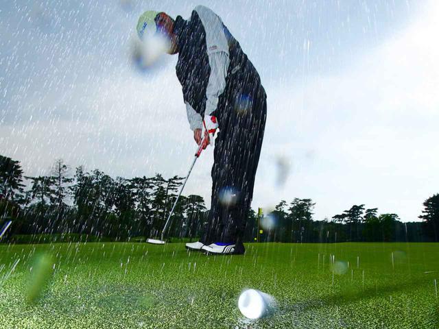 画像: 雨の日ゴルフの際に準備しておくべきものとは?(写真はイメージ)