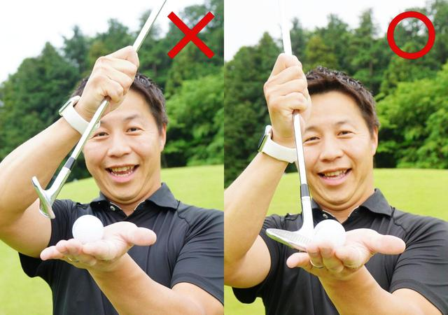 画像: 画像A ダウンブロー(左)はロフトが立ちボールが強く出てしまうので右のように横からややアッパー軌道で打つと柔らかく打ち出せると堀口宜篤プロ