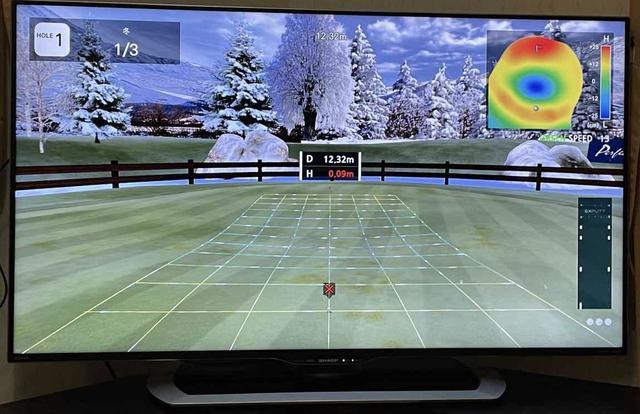 画像: 「CHALLENGE」モードでは、ランダムに設定されたグリーン上の地点から、ワンパット、もしくはOKの位置につける練習ができる
