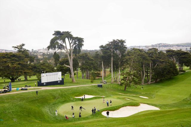 画像: オリンピッククラブレイクコース18番ホール(パー4)。18ホール中もっともグリーンが狭く、かつバンカーが周辺に4カ所配置されている(USGA/Darren Carroll)