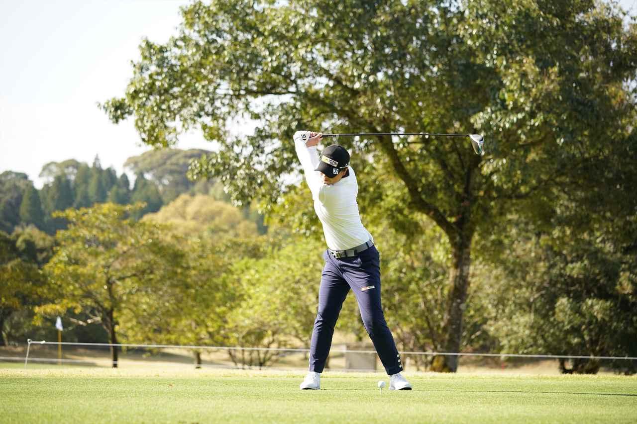 Images : 5番目の画像 - 笹生優花 ドライバー正面連続写真 - みんなのゴルフダイジェスト