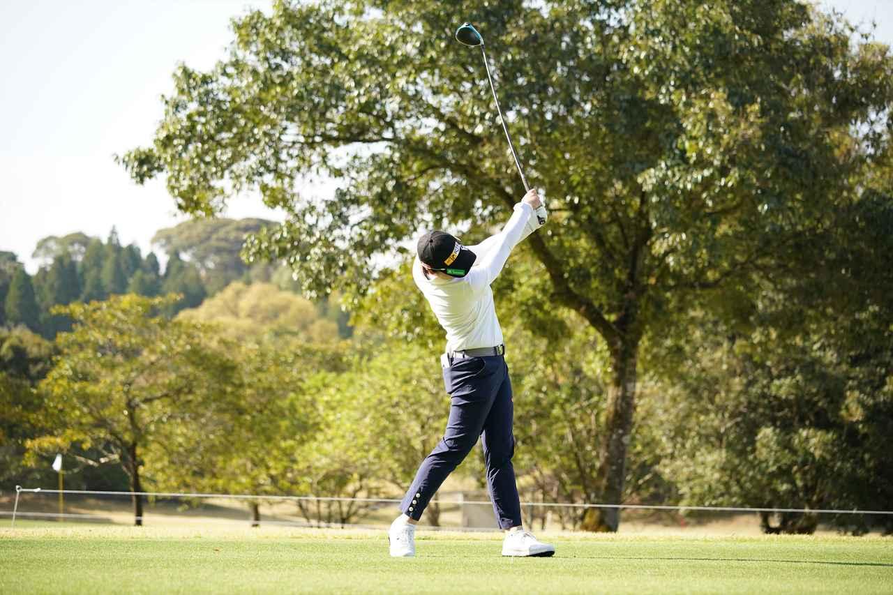 Images : 10番目の画像 - 笹生優花 ドライバー正面連続写真 - みんなのゴルフダイジェスト