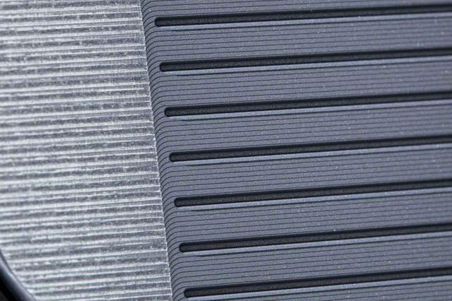 画像: フェースの溝と凹凸ミーリングが「無限」加工技術の特徴のひとつ