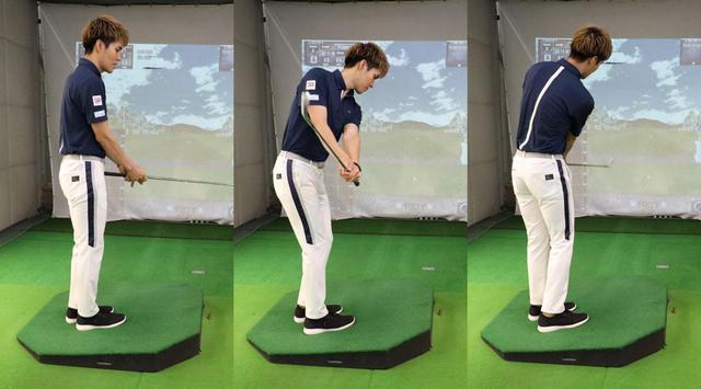 画像: 左足上がりのライから脱出する場合は、ショットを打つときよりもさらに短く握り(左)、ミートしやすいよう狭い振り幅でアプローチのように打とう(中、右)
