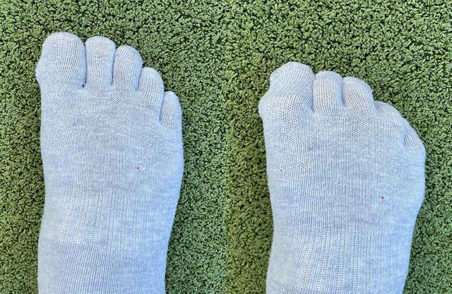 画像: 5本指ソックスを履くと地面をつかみやすい