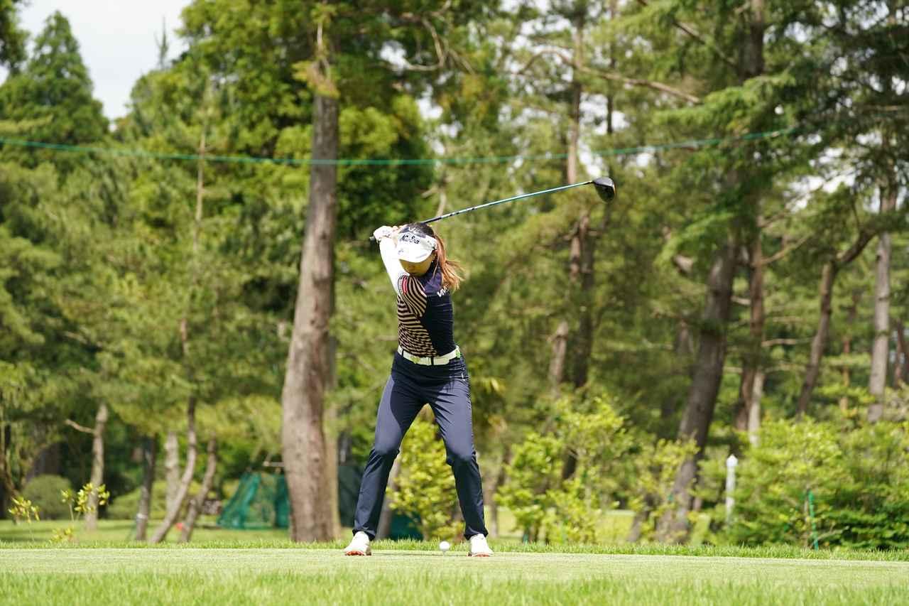 Images : 9番目の画像 - 宮田成華 ドライバー正面連続写真 - みんなのゴルフダイジェスト