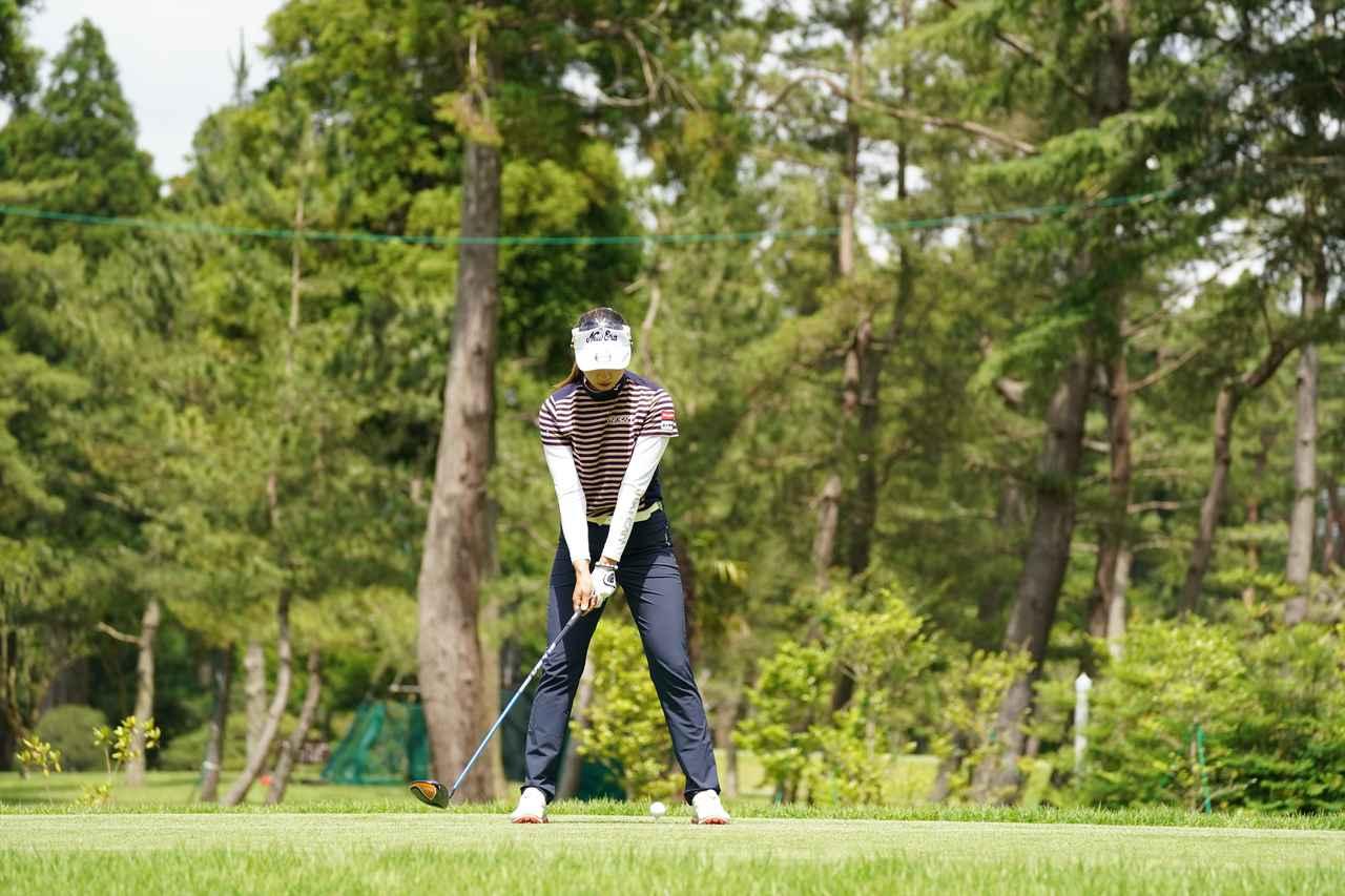 Images : 2番目の画像 - 宮田成華 ドライバー正面連続写真 - みんなのゴルフダイジェスト