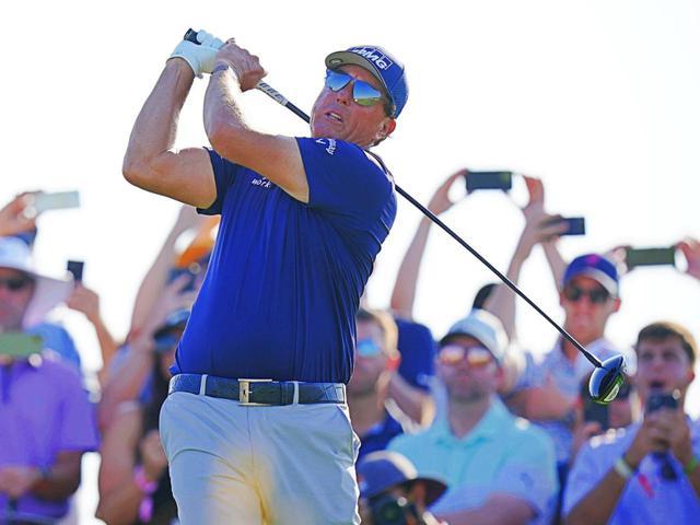 画像: 47.75インチの長尺ドライバーを投入し、海外メジャー「全米プロゴルフ選手権」を制したフィル・ミケルソン(写真は2021年の全米プロゴルフ選手権 撮影/Blue Sky Photos)