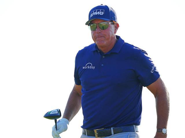 画像: ドライバー二刀流セッティングで海外メジャー「全米プロゴルフ選手権」を制したフィル・ミケルソン(写真は2021年の全米プロゴルフ選手権 撮影/Blue Sky Photos)