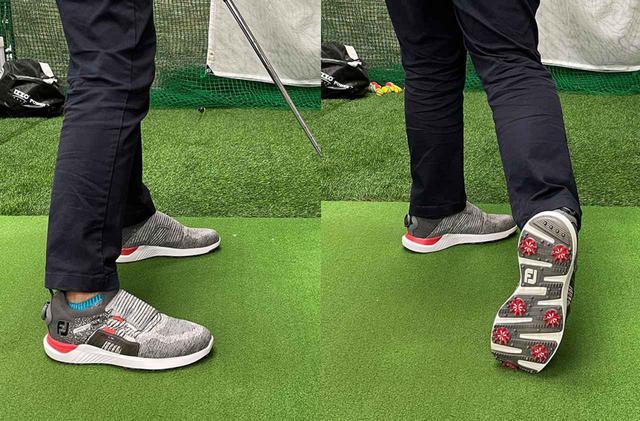 画像: 「静的ベタ足」。右かかとが外回転するために右膝が出てしまい、後ろから見るとシューズが右に傾いています