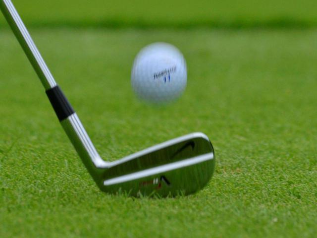 画像: ゴルフでは番手選択や狙いどころの設定などプレー中に様々な決断が求められるスポーツ。選択に悩み過ぎると脳が疲労しさらなる判断ミスにつながるため「スパッと決断するためのマイルールを持っておくと良いですよ」と池氏