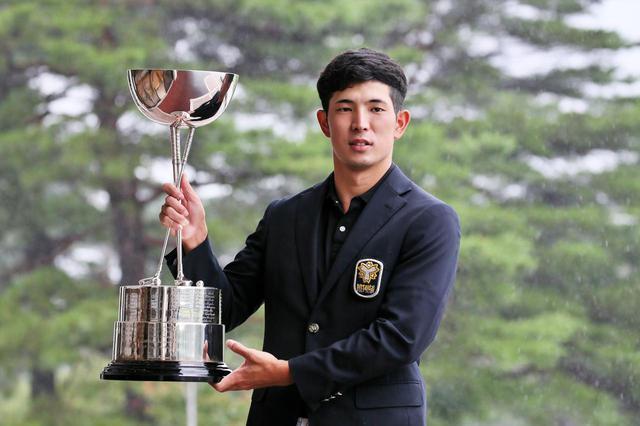 画像: 日本アマのタイトルを手にした世界アマチュアランク1位の中島啓太(写真は2021年の日本アマチュアゴルフ選手権 写真/矢田部裕)