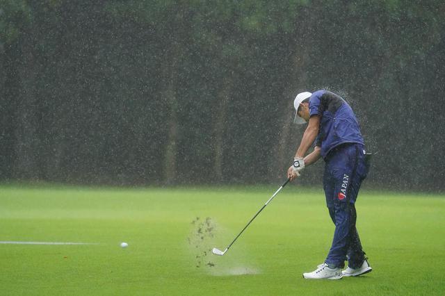 画像: 悪天候の中でも2日目に63とスコアを伸ばし日本アマのタイトルを手にした(写真は2021年の日本アマチュアゴルフ選手権 写真/矢田部裕)