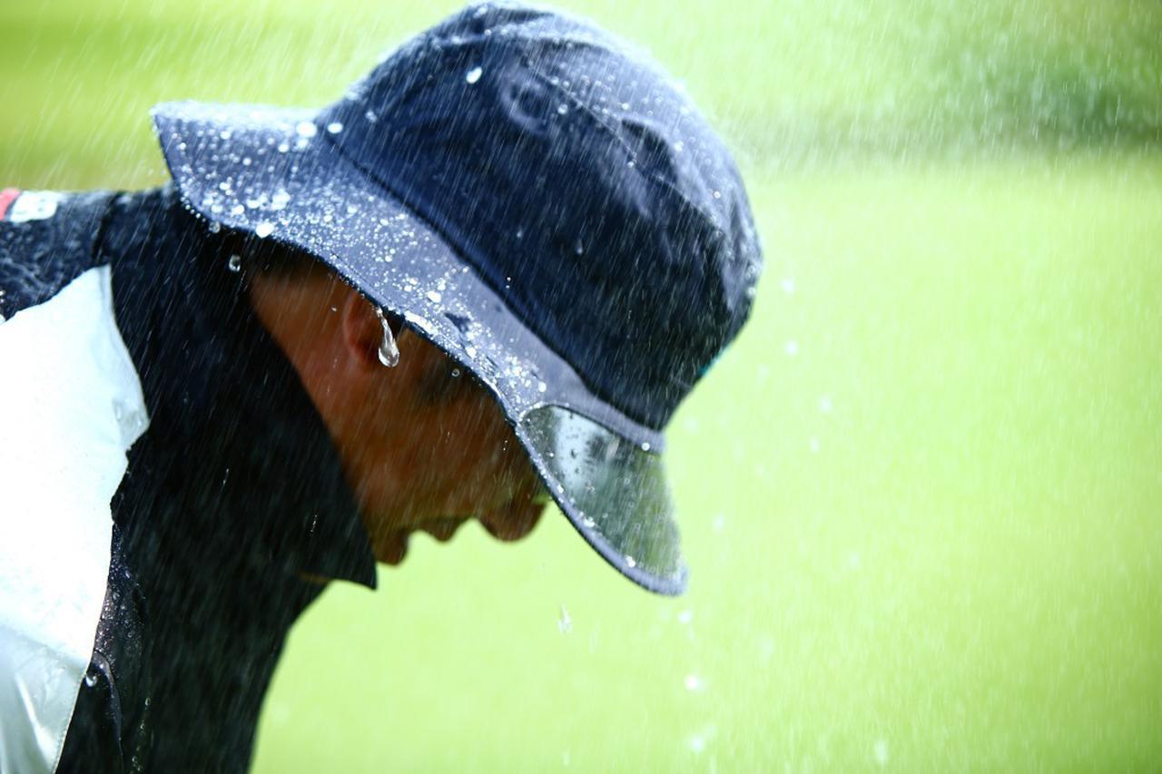 画像: 「雨の日ゴルフ」でも楽しくプレーするためにはどうしたらいい?(写真はイメージ 撮影/三木崇徳)