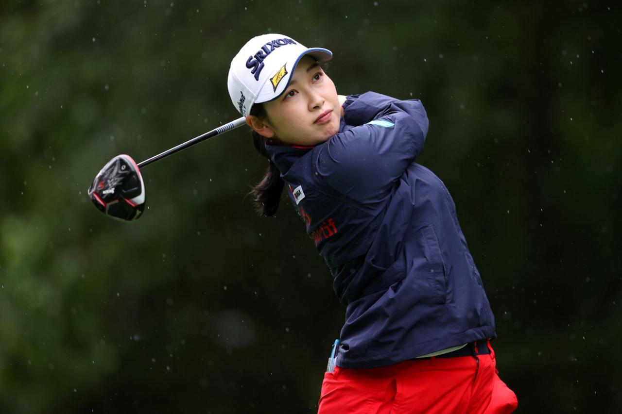画像: 国内女子ツアー「NEC軽井沢72トーナメント」初日を終え、トータル8アンダーで単独首位に立つ小祝さくら(写真/Getty Images)