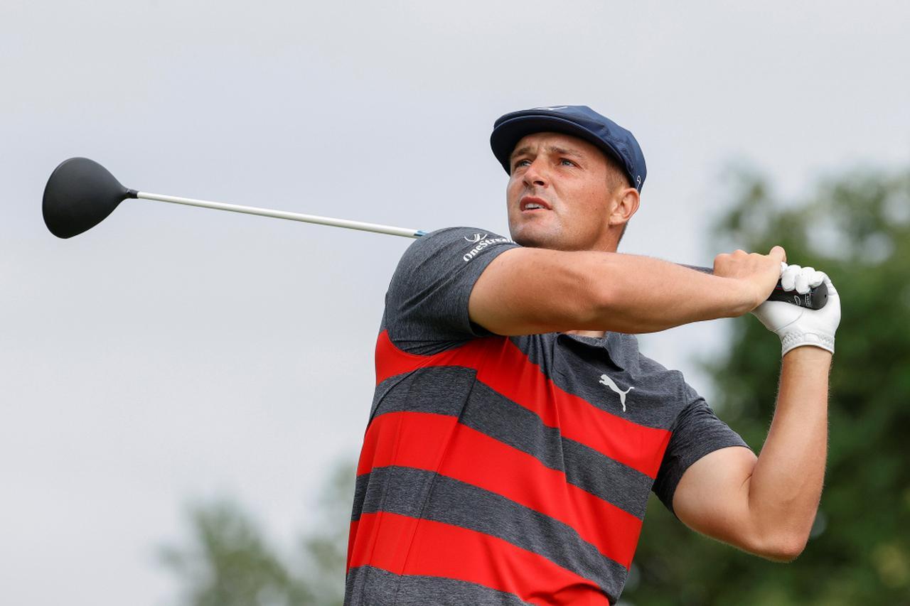 画像: PGAツアープレーオフシリーズ2戦目「BMW選手権」でパトリック・カントレーとのプレーオフに敗れ2位フィニッシュとなったブライソン・デシャンボー(写真/Getty Images)