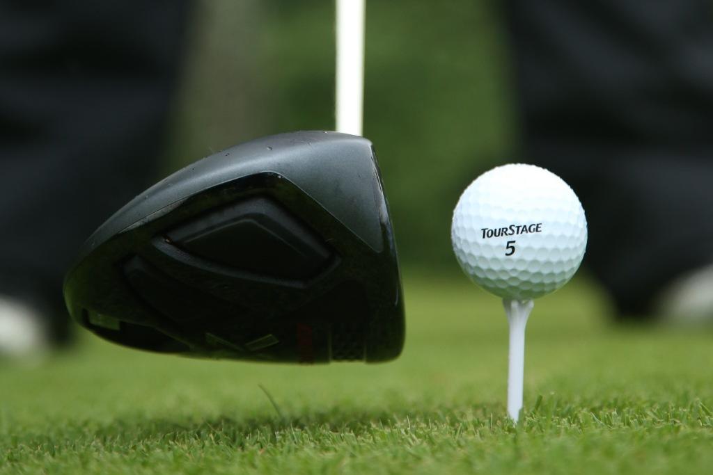 画像: ゴルフはミスするスポーツ。たとえミスしてもとり返そうとしないことが大事だと関はいう(撮影/姉崎正)
