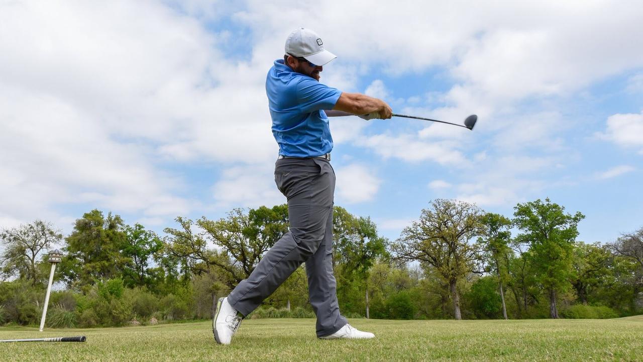 画像: Golf Trick Shots | Dude Perfect www.youtube.com