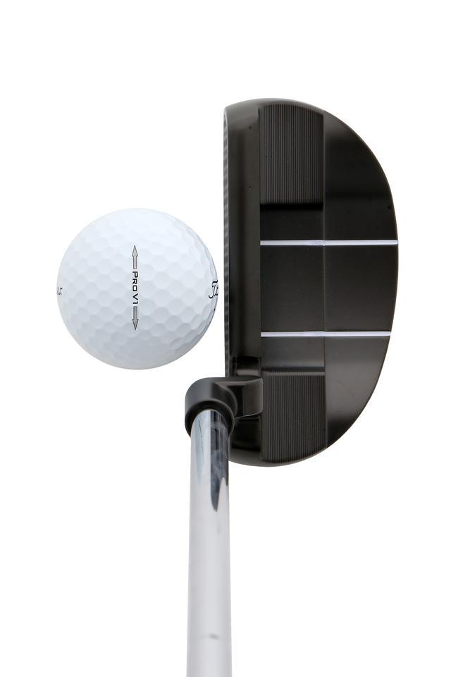 画像: ボールをラインではなく自分に向ける。これだけでスクェアヒットできて距離感も合わせやすい。