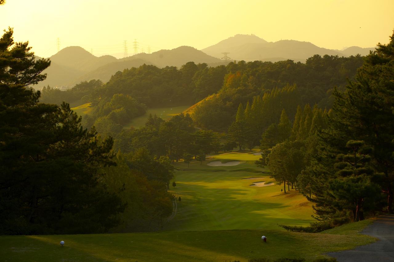 画像: 夕日に染まる加古川GC(撮影/小林憲司)