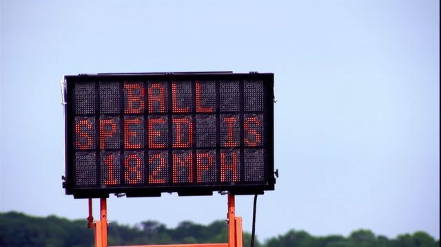 画像: ボールの打ち出し初速は182マイル=約292キロ/時。かなりの高初速だ