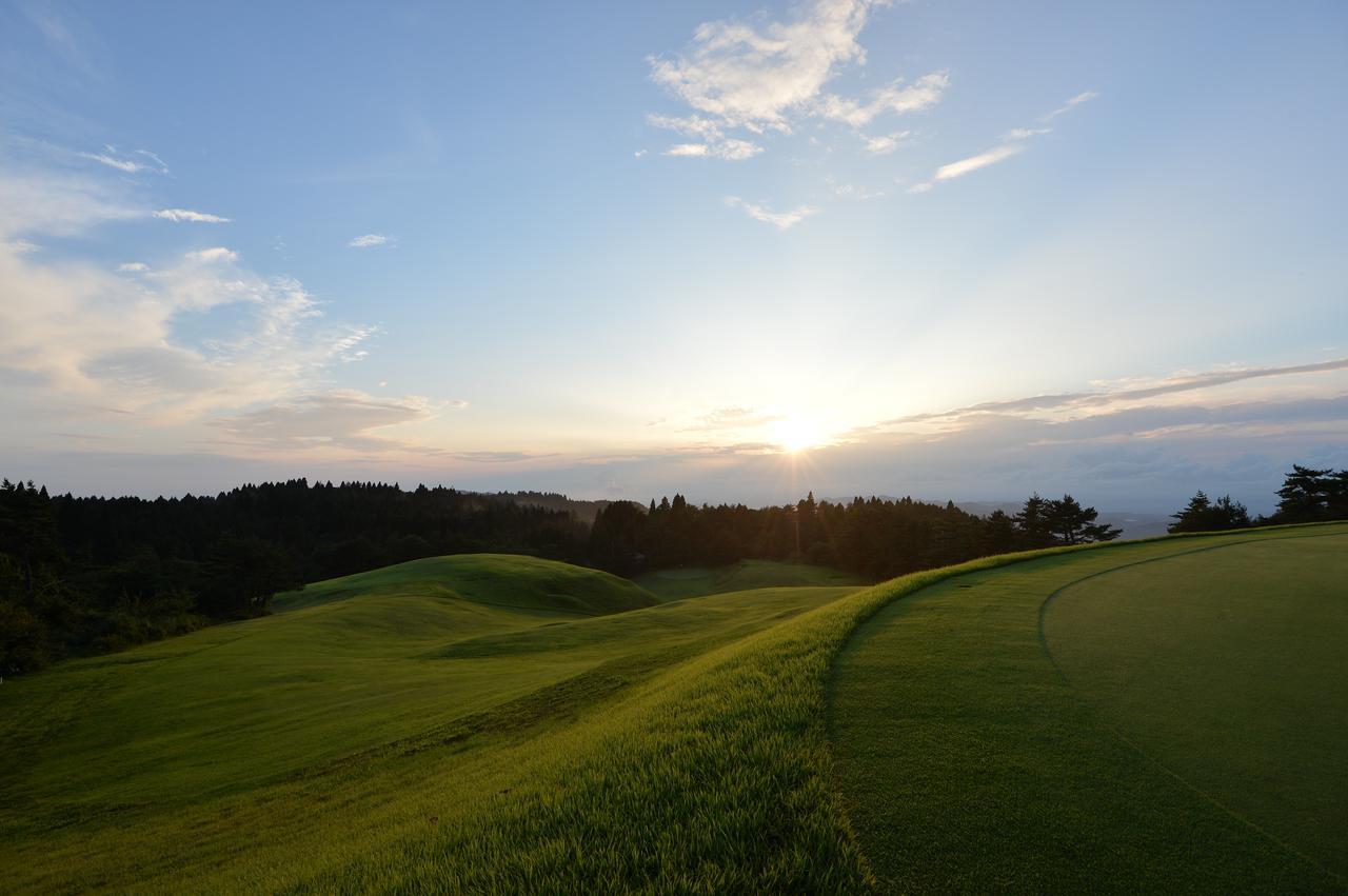画像: 夕日に染まり鮮やかな神戸 GC(撮影/西本政明)
