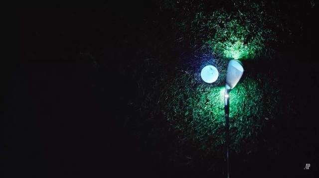 画像: クラブにライトが仕込まれているみたいです