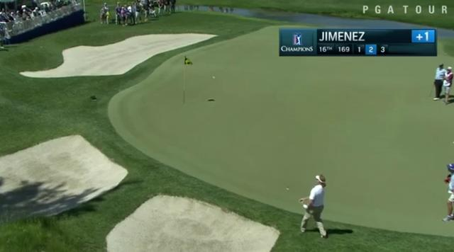 画像: ピン方向ではなく、ピンの左サイドに向け、ハーフロブっぽい球を選択 twitter.com