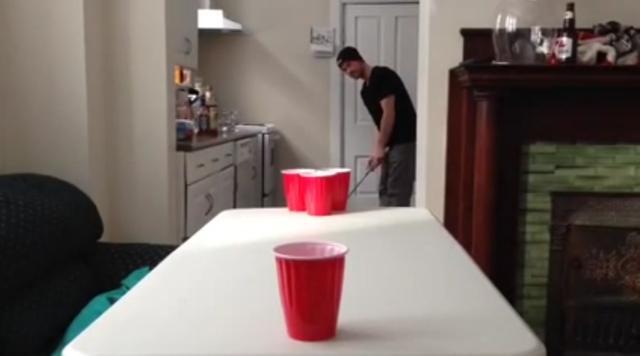 画像: 狙うは画面手前のカップ