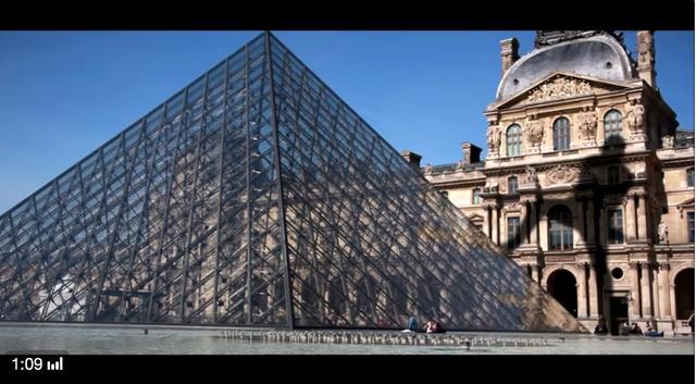 画像: こちらルーブル美術家の入り口、ルーブル・ピラミッド