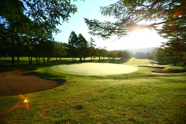 画像: 晴れた日の朝はゴルフに行きたくなる!(撮影/三木崇徳)