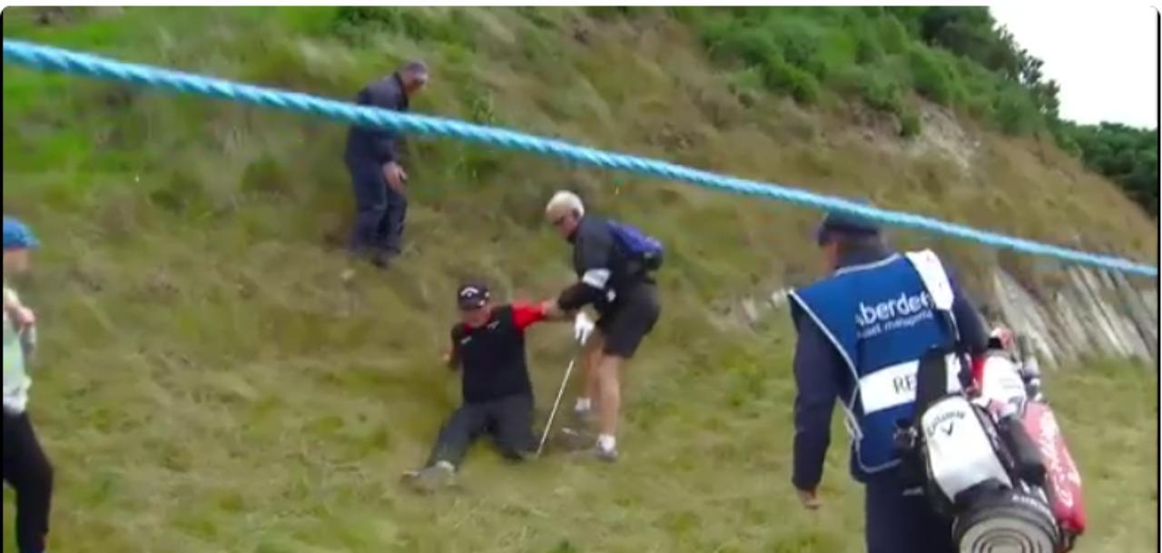 画像: 転んじゃった。リンクスゴルフは楽じゃない! twitter.com