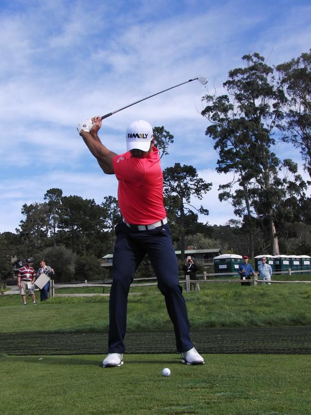"""画像: デイみたいな""""締まったトップ""""を手に入れる。「サムズアップ」ドリル - Thumbs Up Golf"""
