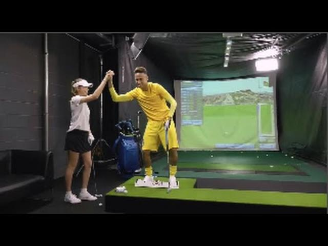 画像: Barcelona superstar Neymar being absolutely useless at golf www.youtube.com