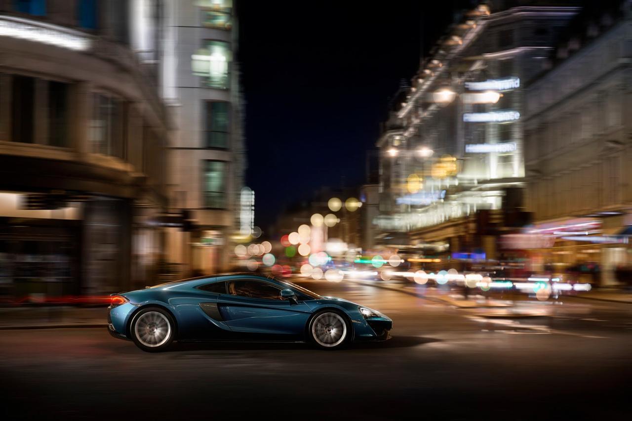 画像: McLaren 570GT. Sports Series, taken further. www.youtube.com