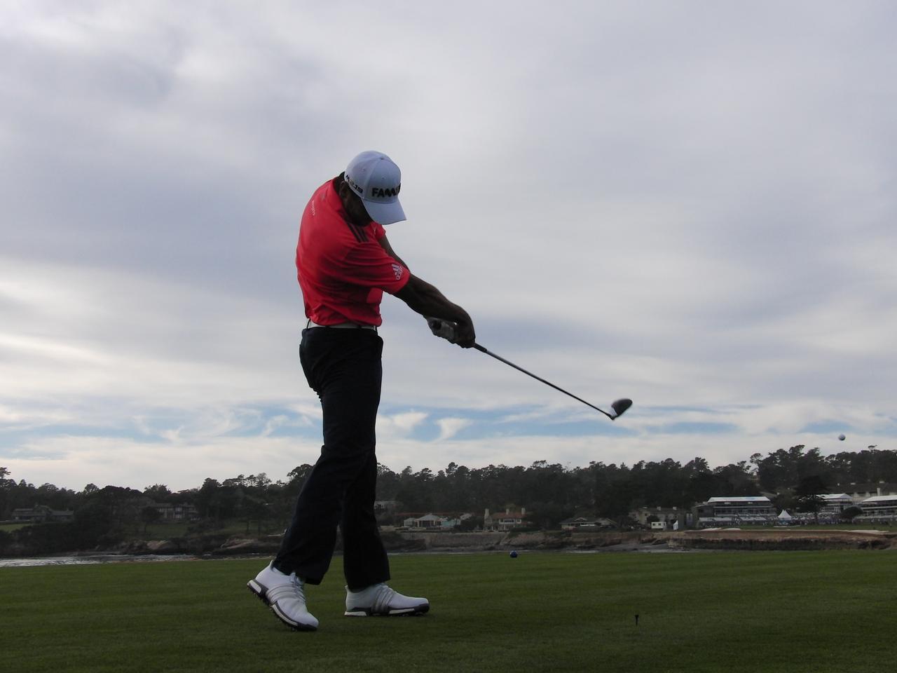 画像: 「手打ち」の自覚症状ある人必見! ジェイソン・デイになるための「タオルドリル」 - Thumbs Up Golf