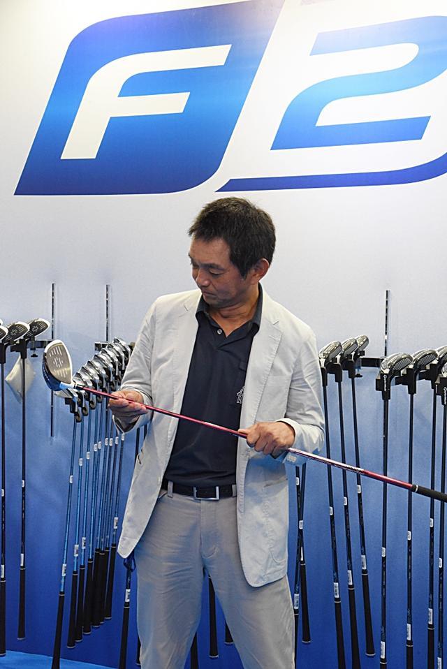 画像: 尾林弘太郎コーチ。1962年、東京生まれ。レッスンの中で築き上げられた『ロジカルゴルフ』には信奉者が多く、著書も多数。 http://www.logical-golf.com/