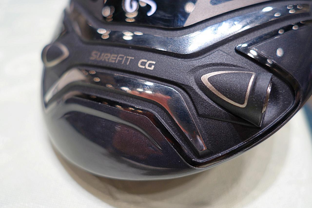 画像: シュアフィットCG。重量調整ならびに、ヘッドの手前側、先側に重量を振り分けることで、打点位置や弾道の調整を行うことができる