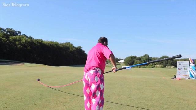 画像: New worl record set for longest golf club www.youtube.com