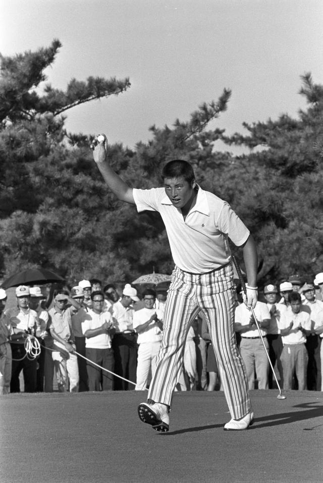 画像: 尾崎将司は甲子園優勝投手で、元プロ野球選手。プロ野球を3年で引退してからゴルフに転向し、のちに大活躍した。ゴルフ以外のスポーツを経験することは遠回りではない。写真は尾崎が初優勝した1971年の日本プロ